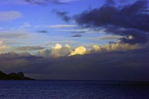 Sunrise_over_Maui